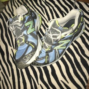 New Balance Shoes - Women's New Balance Shoes Size 8